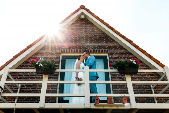 Bruiloft van Kim & Karl in Beneden-Leeuwen